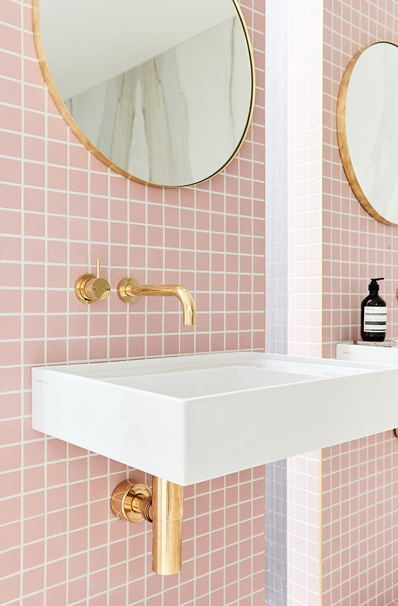 Nicola Manning Design Pink bathroom tiled walls